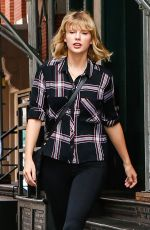 TAYLOR SWIFT Out and About in New York 09/28/2016
