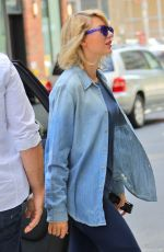 TAYLOR SWIFT Outside Her Gym in New York 08/31/2016