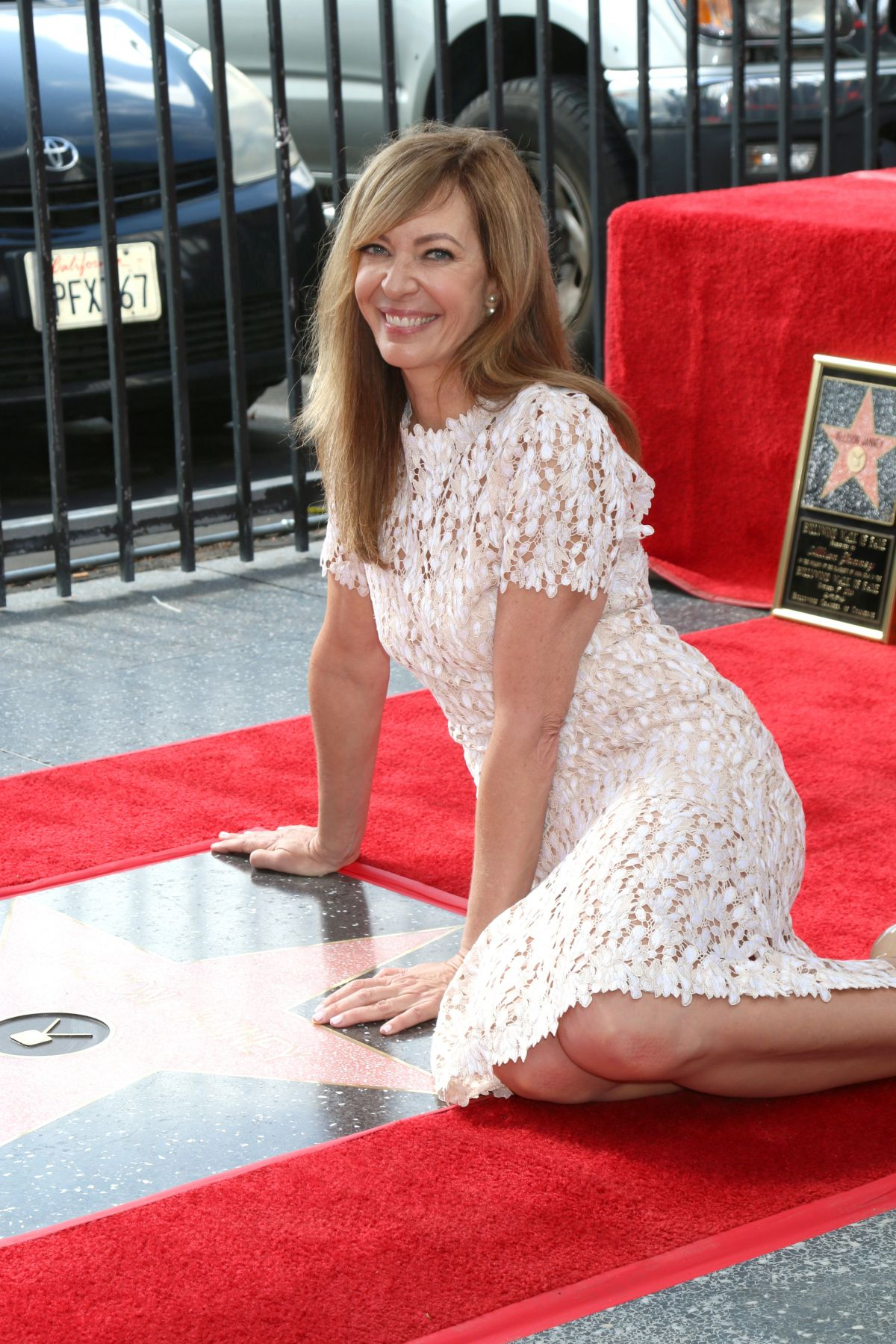 ALLISON JANNEY Honored with Star on Hollywood Walk of Fame in Los Angeles 10/17/2016