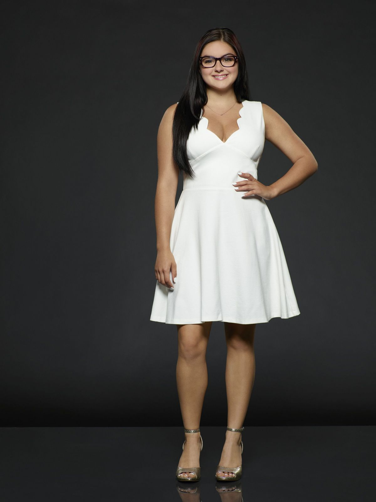 ARIEL WINTER for Modern Family, Season 8 Promos - HawtCelebs