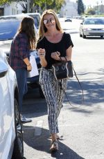 CAT DEELEY Shopping at Express in Beverly Hills 10/20/2016