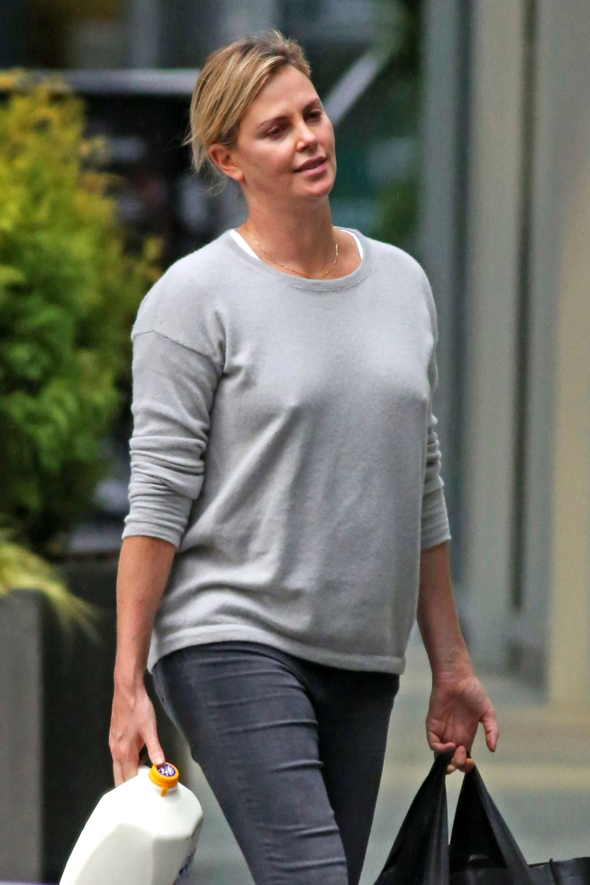 CHARLIZE THERON Out Shopping in Vancouver 10/15/2016 ... Charlize Theron