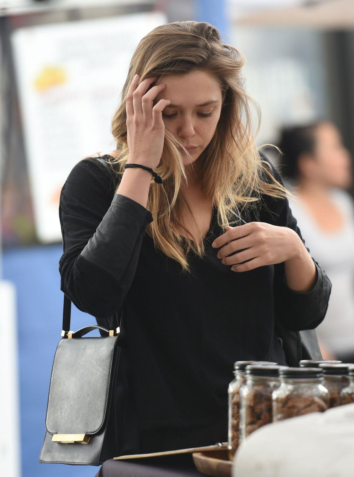 Elizabeth Olsen Shopping At Farmer S Market In Los Angeles