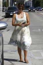 HALLE BERRY Out for Lunch in Los Angeles 10/01/2016