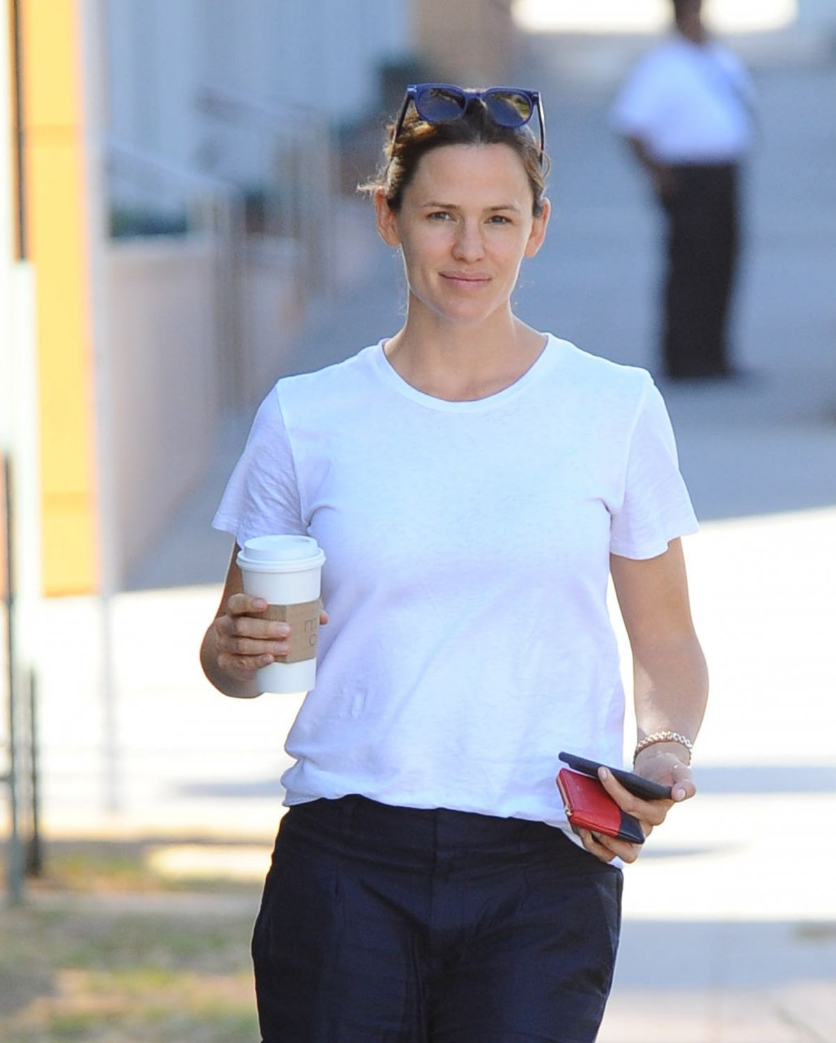 JENNIFER GARNER Out for Coffee in Los Angeles 09/30/2016