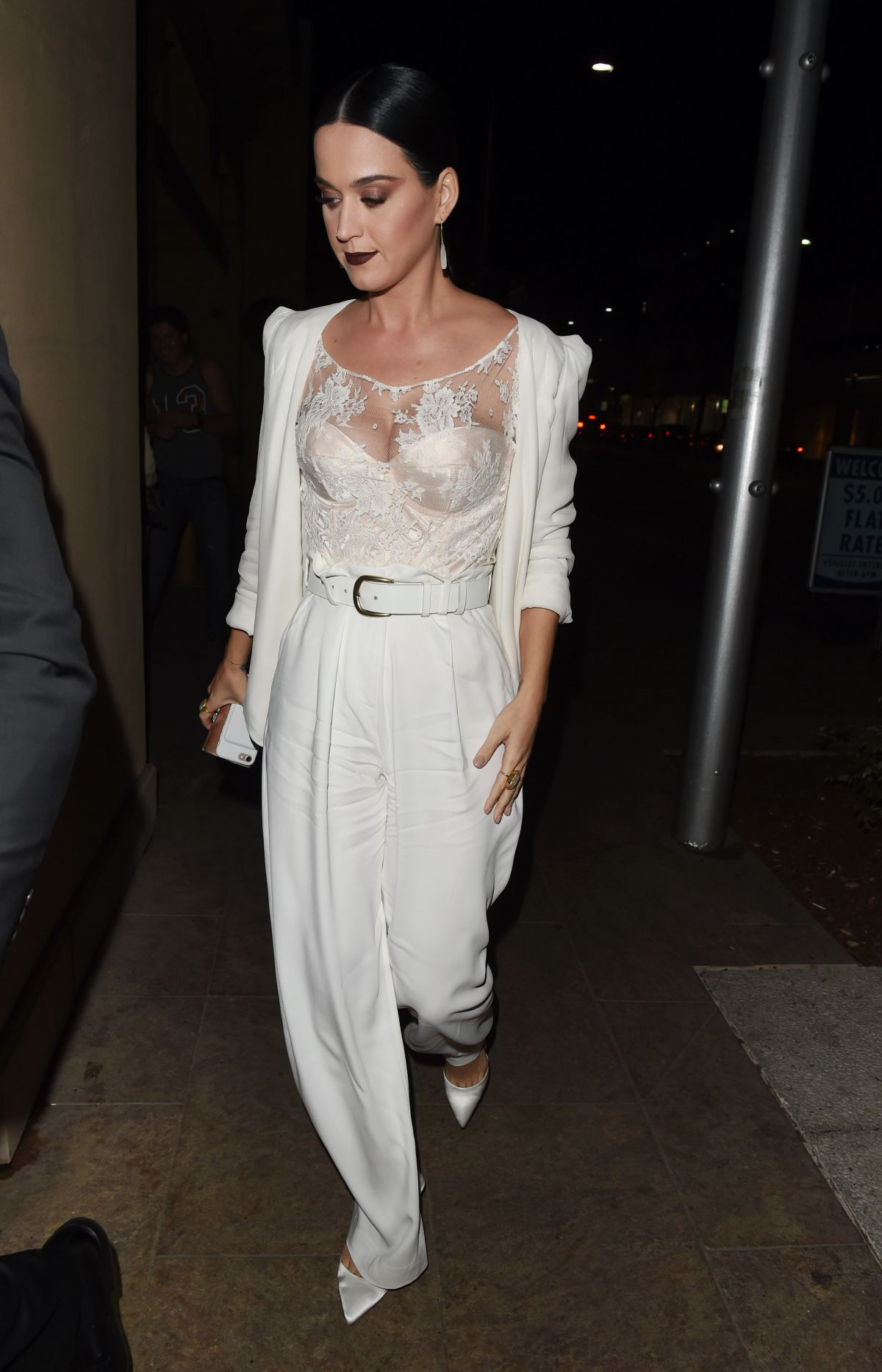 Katy perry at cfda vogue fashion fund fashion show in los angeles 10