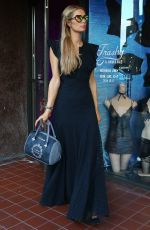 PARIS HILTON Shoping for Halloween Costumes in West Hollywood 10/17/2016