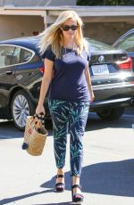 REESE WITHERSPOON Out and About in Los Angeles 10/21/2016