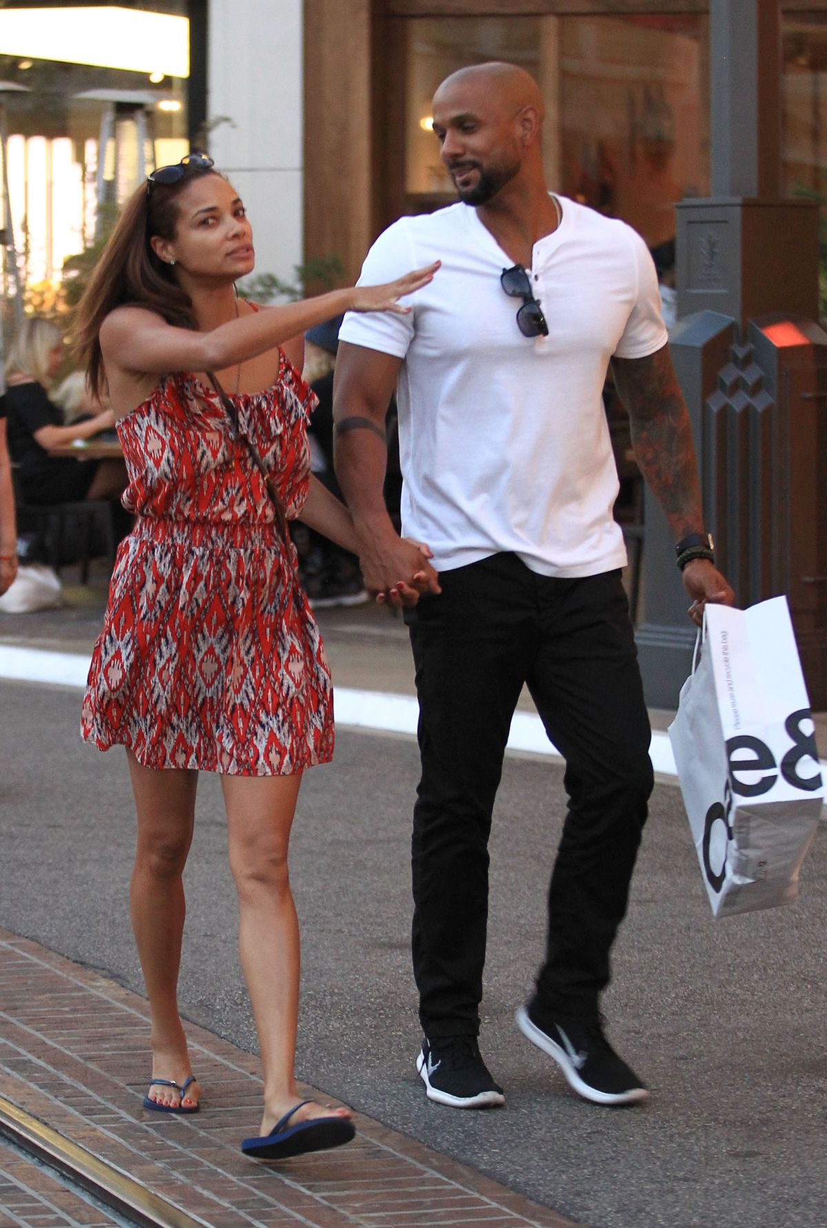 ROCHELLE AYTES Out Shopping in Los Angeles 09/29/2016