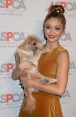 SARAH HYLAND at Aspca's Los Angeles Benefir 10/20/2016
