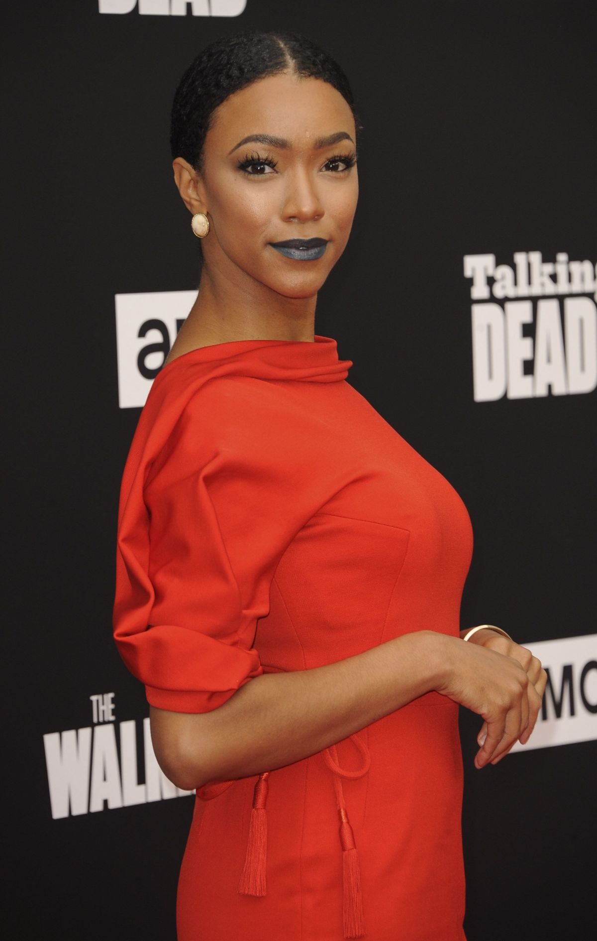 SONEQUA MARTIN GREEN at AMC Present 'Talking Dead' in Los Angeles 10/23/2016