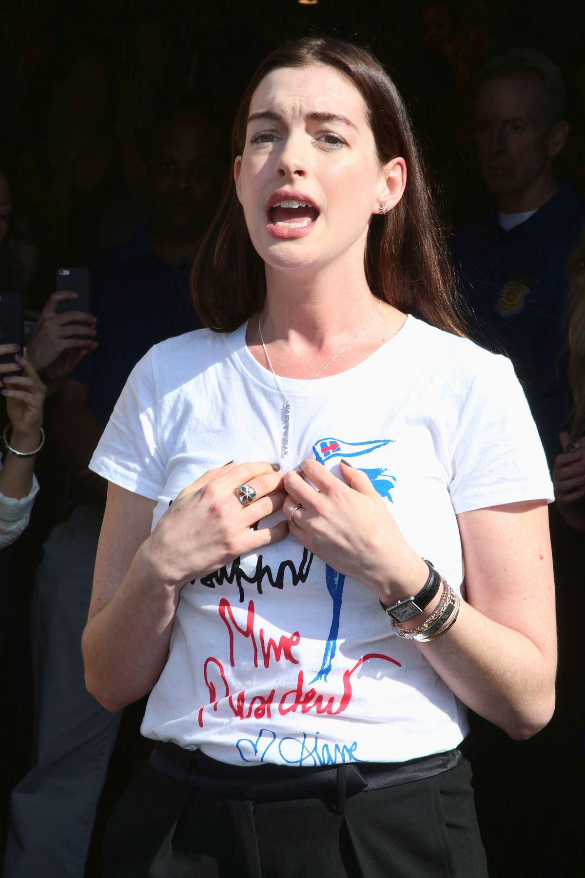 ANNE HATHAWAY Stumping for Hliiary Clinton at Temple University in Philadelphia 11/02/2016