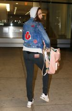 BAILEE MADISON at Toronto Pearson International Airport 11/21/2016