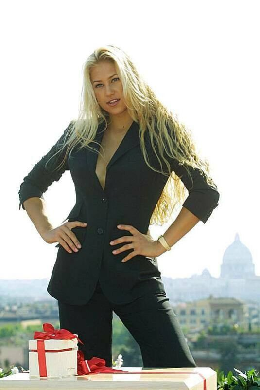 Best from the Past - ANNA KOURNIKOVA at Omega Casina Macchia Madama in Rome, 2001