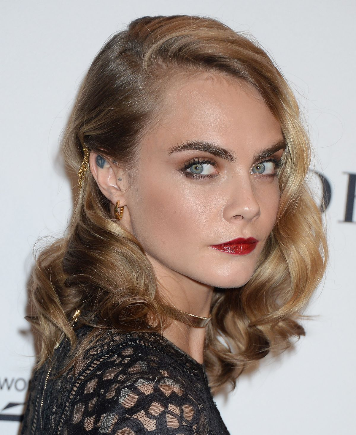 CARA DELEVINGNE at Glamour Women of the Year 2016 in Los Angeles 11/14/2016