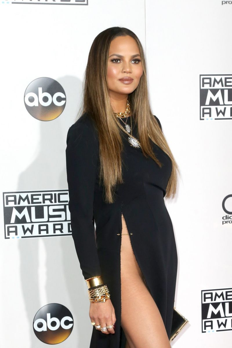 CHRISSY TEIGEN at 2016 American Music Awards at The Microsoft Theater in Los Angeles 11/20/2016