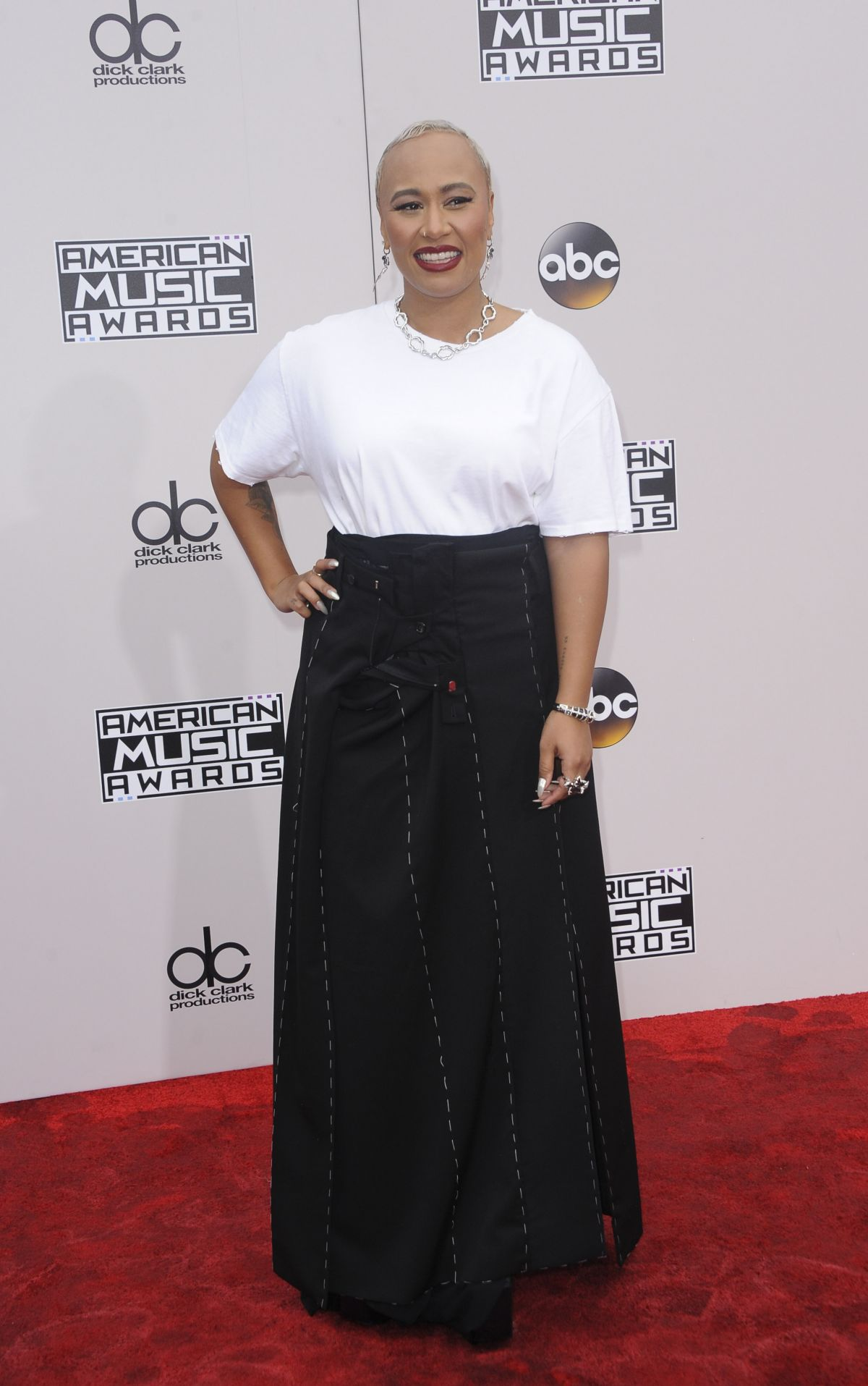 EMELI SANDE at 2016 American Music Awards at The Microsoft Theater in Los Angeles 11/20/2016