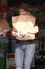 HILARY DUFF Shopping for Pet Supplies in West Hollywood 11/15/2016
