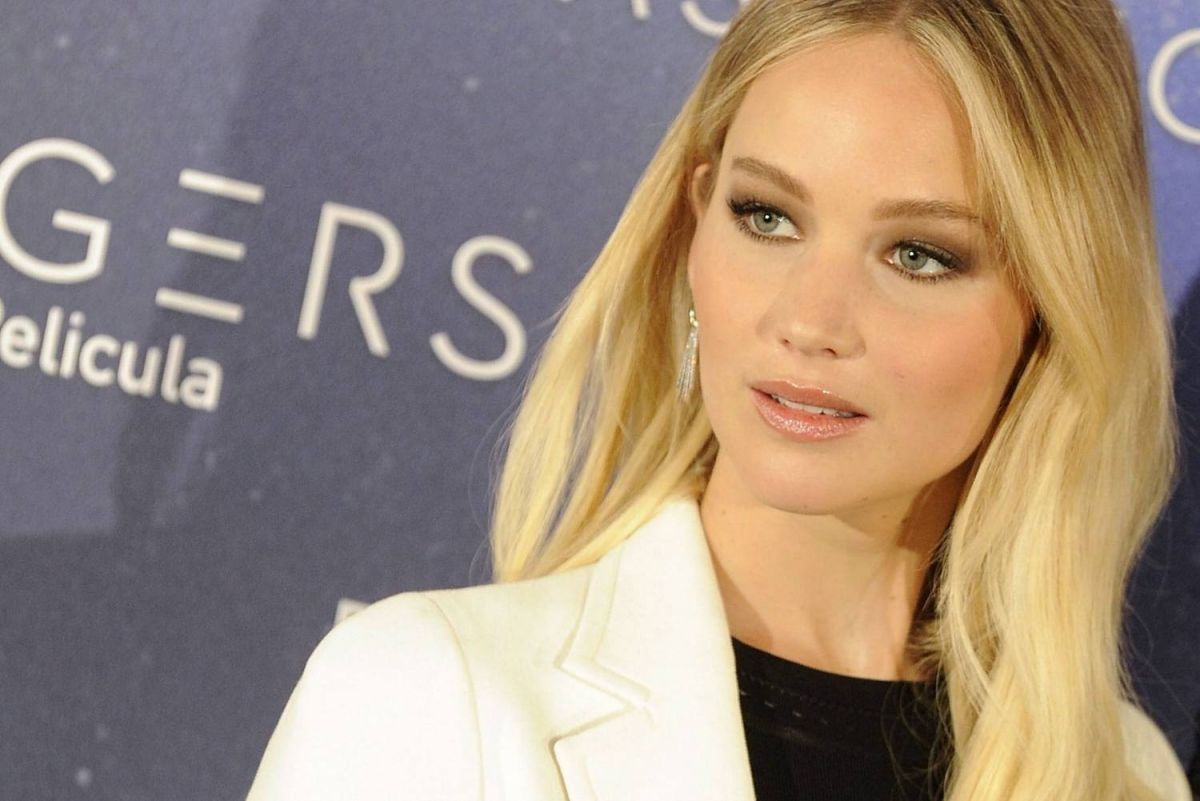JENNIFER LAWRENCE at Passengers Photocall in Madrid 11/30 ...