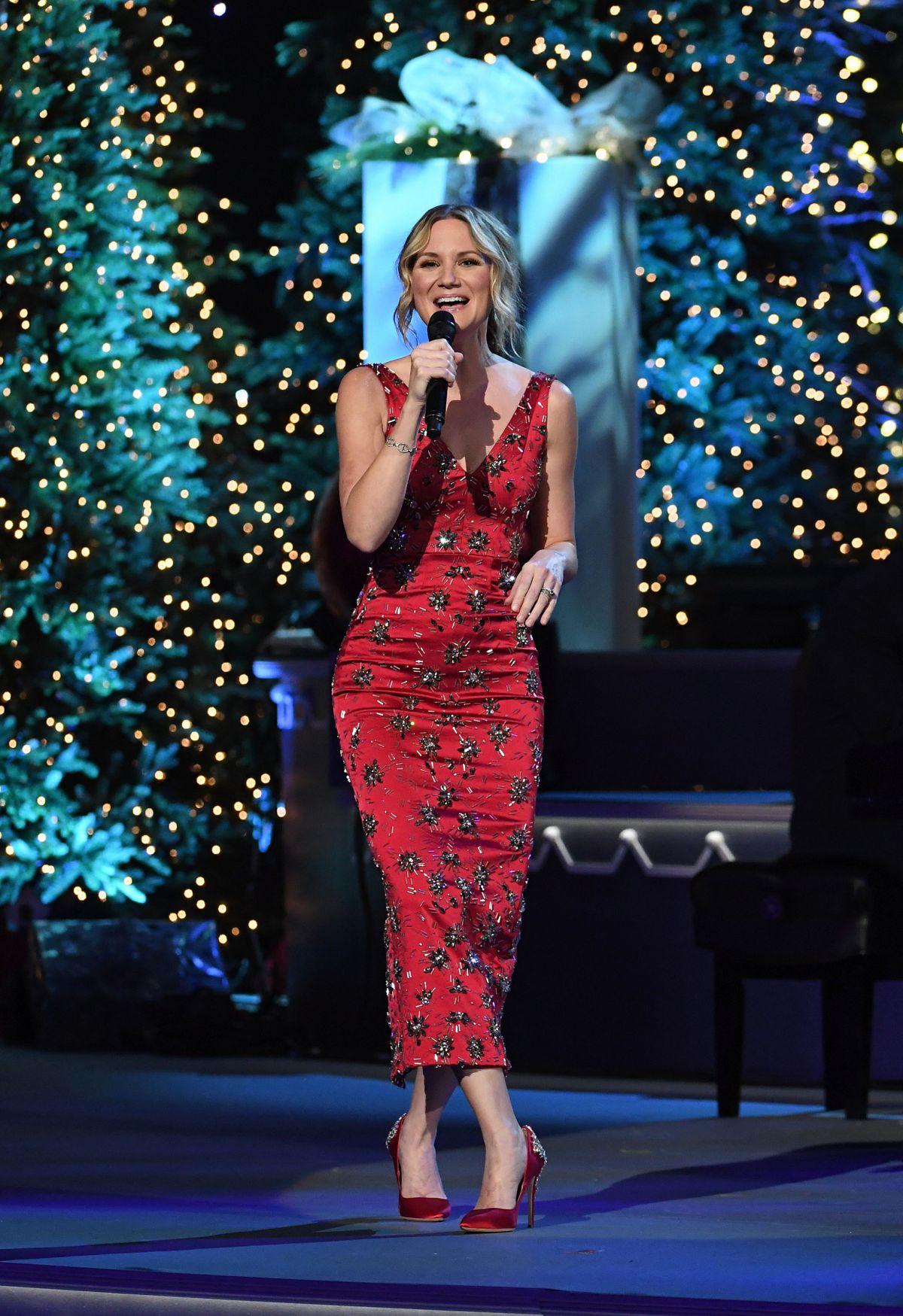 JENNIFER NETTLES at CMA 2016 Country Christmas in Nashville 11/08 ...