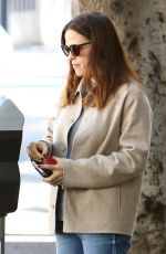 JENNIFER GARNER Out for Christmas Shopping in Brentwood 11/21/2016