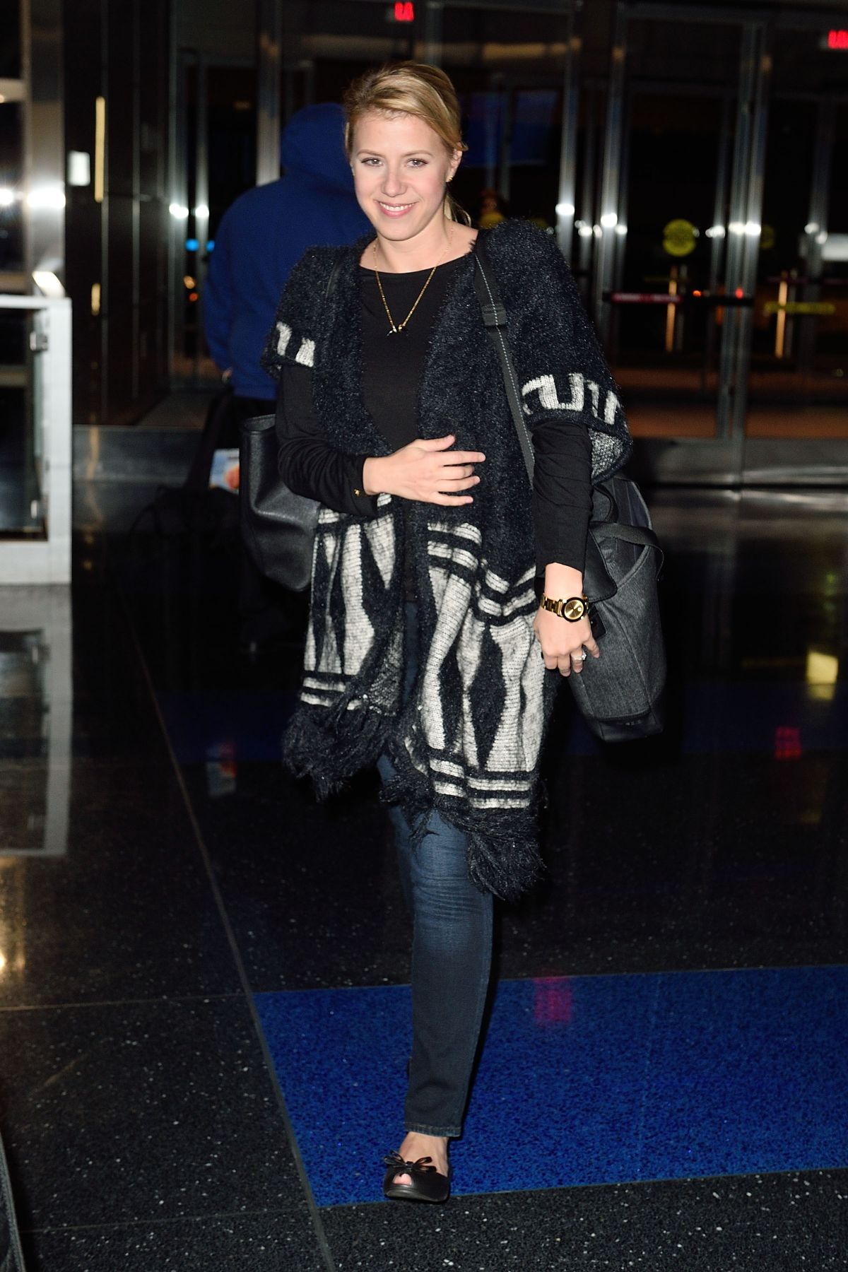 JODIE SWEETIN at JFK Airport in New York 10/29/2016