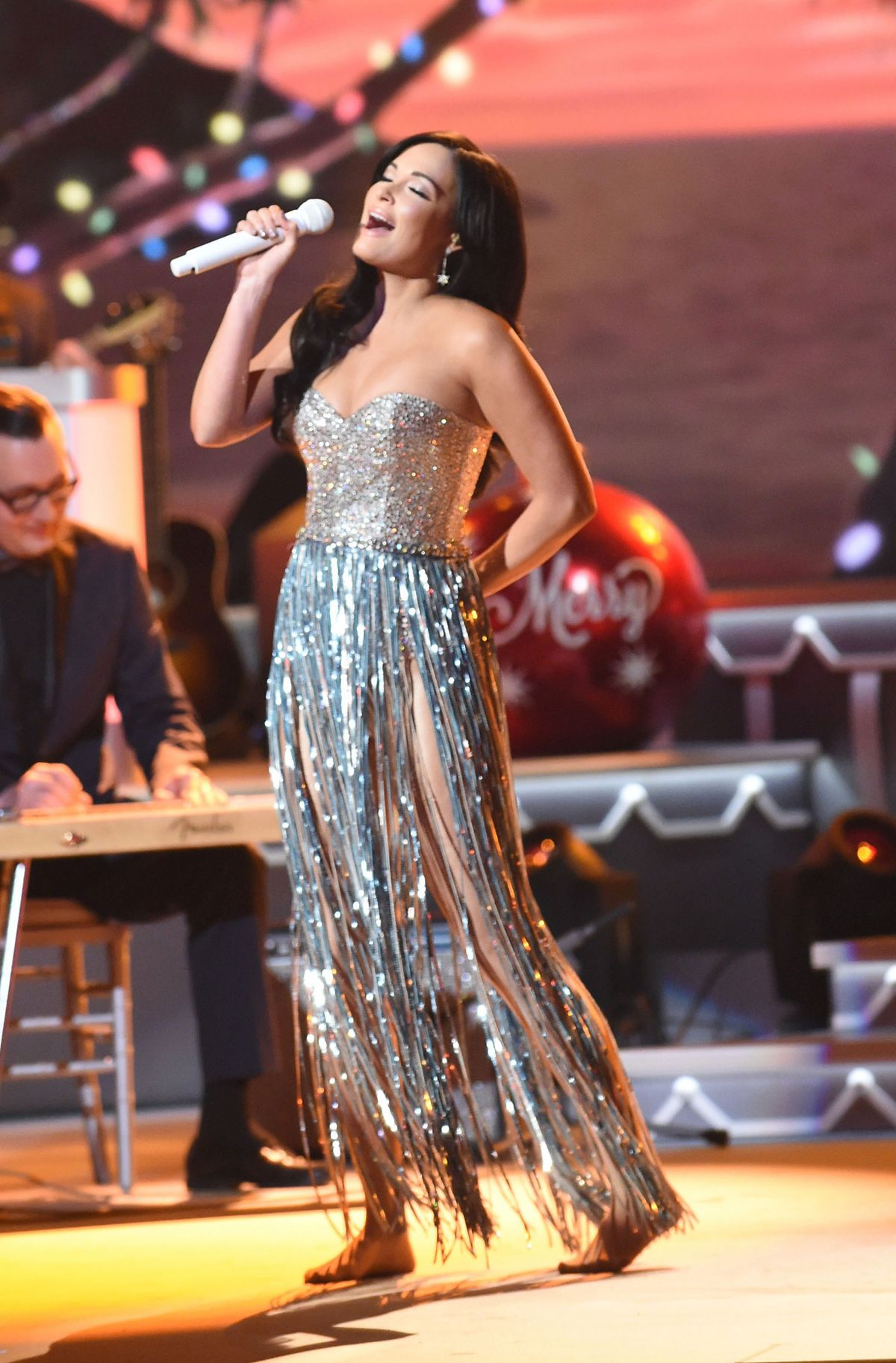 KACEY MUSGRAVES at CMA 2016 Country Christmas in Nashville 11/08 ...