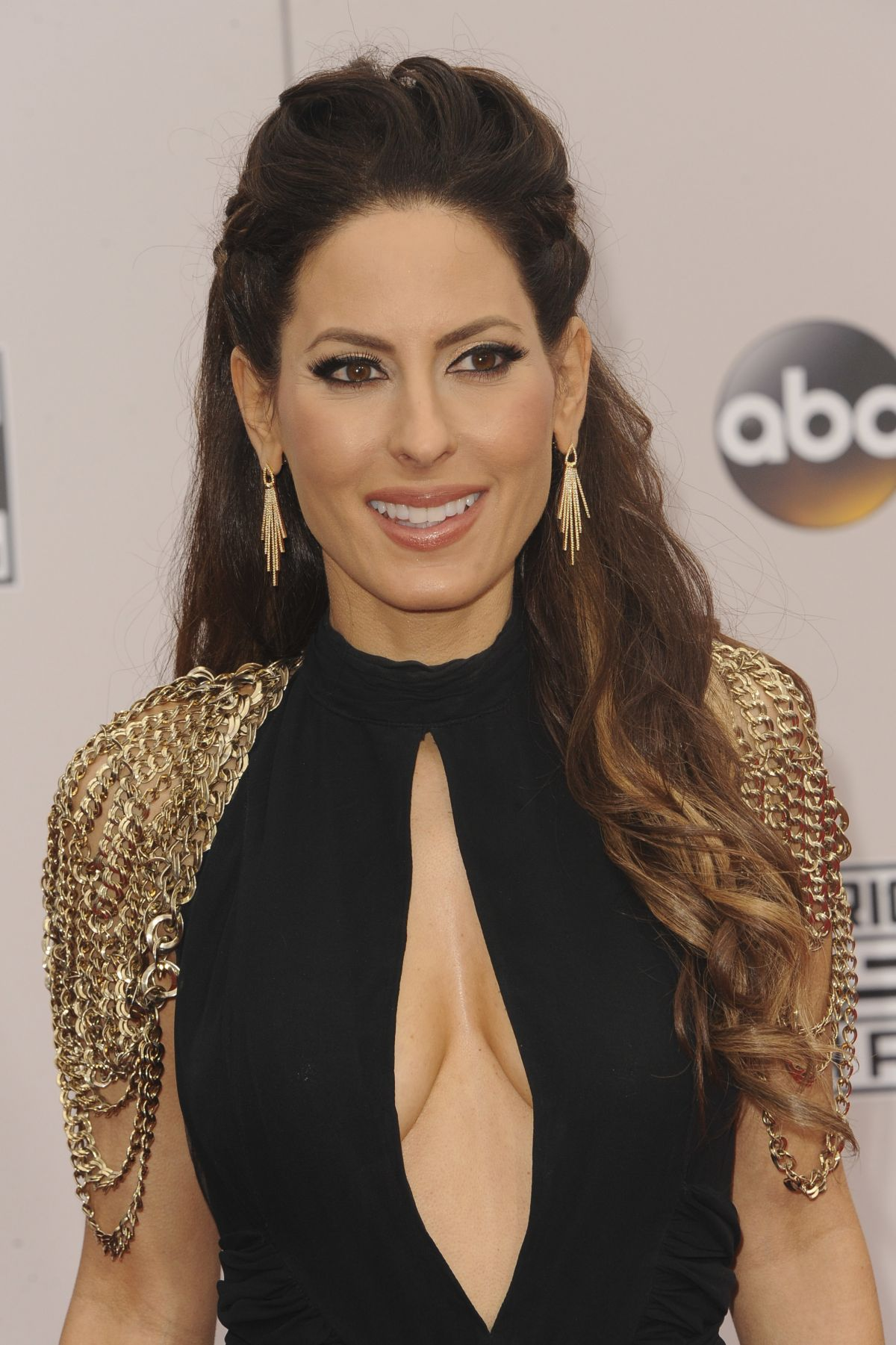 KERRI KASEM at 2016 American Music Awards at The Microsoft Theater in Los Angeles 11/20/2016