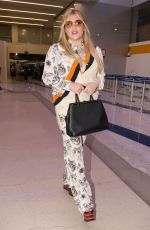 KESHA at LAX Airport in Los Angeles 11/22/2016