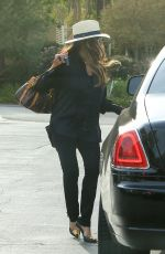 LA TOYA JACKSON Out and About in Brentwood 11/12/2016