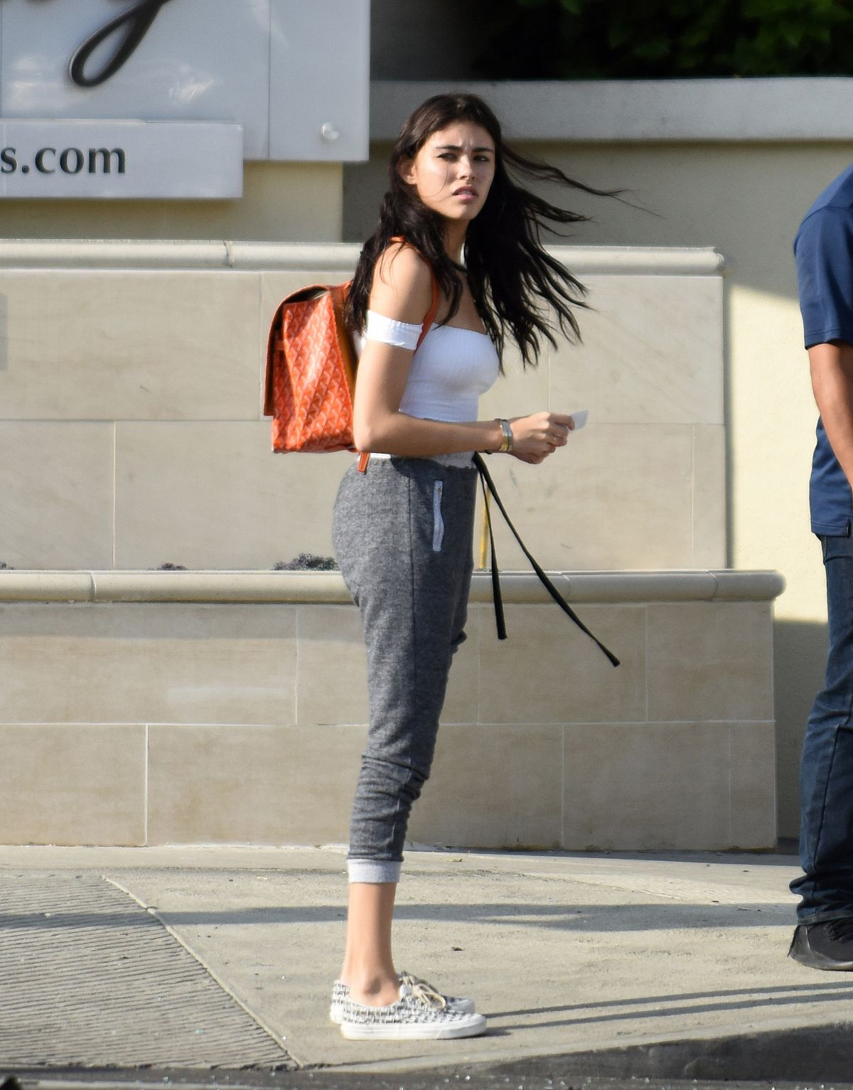 bf469d568853 MADISON BEER Escape a Car Crash in Beverly Hills 11/16/2016 - HawtCelebs