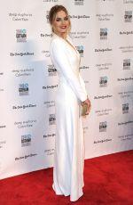 MARGOT ROBBIE at 2016 IFP Gotham Independent Film Awards in New York 11/28/2016