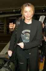 MARGOT ROBBIE at Los Angeles International Airport 11/15/2016