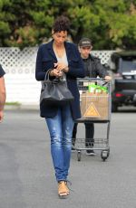 NICOLE MURPHY Out Shopping in Los Angeles 11/27/2016