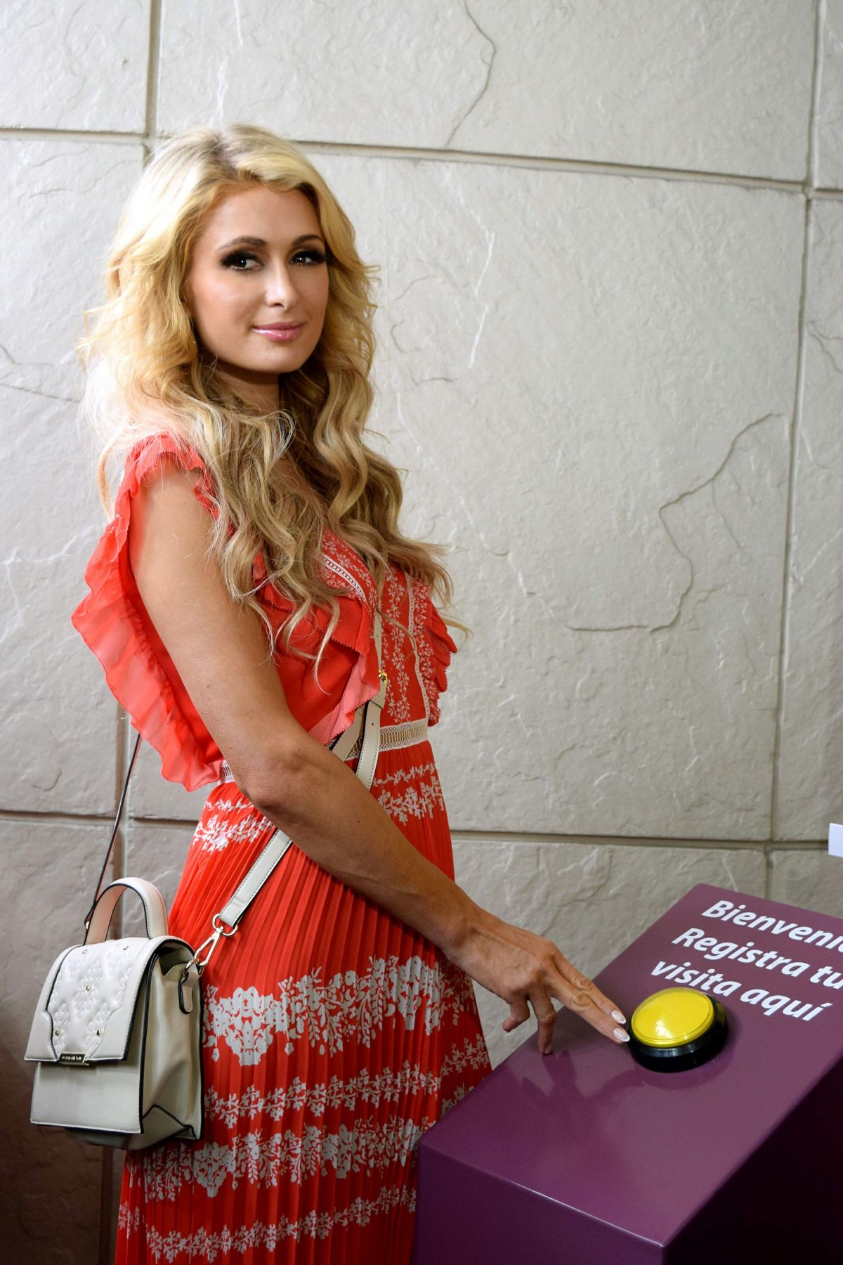 PARIS HILTON Visits a Children's Hospital in Mexico City 11/10/2016 Paris Hilton