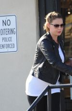 Pregnant KATHERINE HEIGL Out and About in Calabasas 11/05/2016