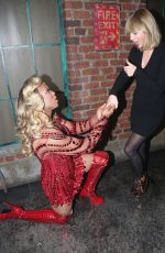 TAYLOR SWIFT at Backstage at Kinky Boots on Broadway 11/23/2016