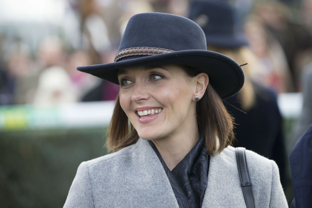 VICTORIA PENDLETON at Hennessy Gold Cup at Newbury Racecourse 11 26 2016 ddb1800a436