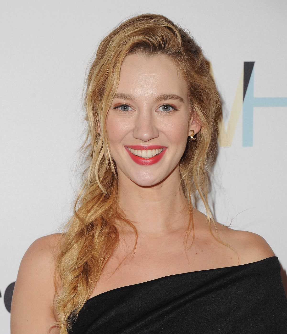 yael grobglas hotyael grobglas gif, yael grobglas height, yael grobglas interview, yael grobglas twin, yael grobglas interview hebrew, yael grobglas reign, yael grobglas instagram, yael grobglas height weight, yael grobglas, yael grobglas boyfriend, yael grobglas languages, yael grobglas jane the virgin, yael grobglas age, yael grobglas hebrew, yael grobglas speaking hebrew, yael grobglas imdb, yael grobglas accent, yael grobglas tumblr, yael grobglas the selection, yael grobglas hot