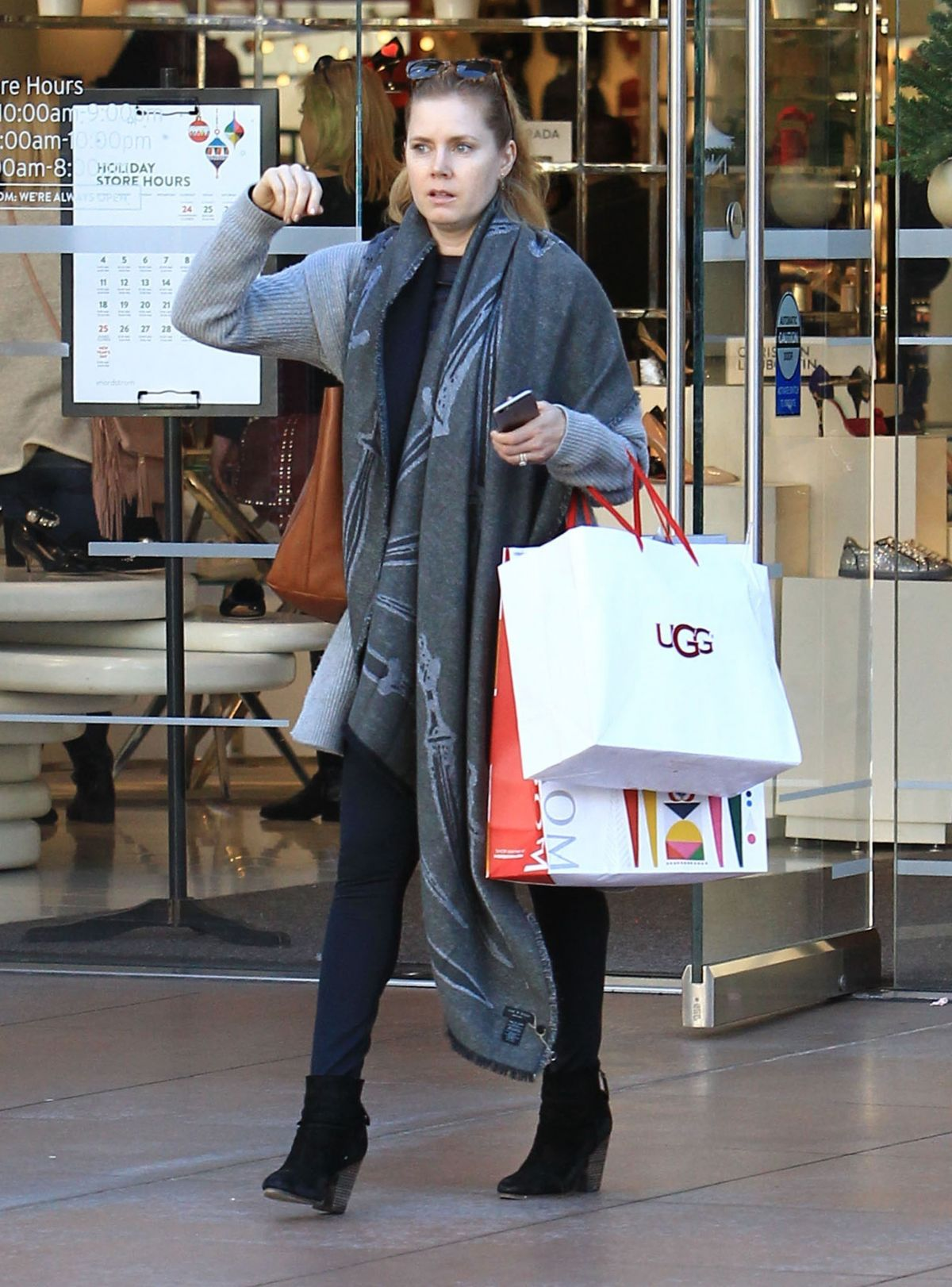 AMY ADAMS Shopping at The Grove in Los Angeles 12/19/2016