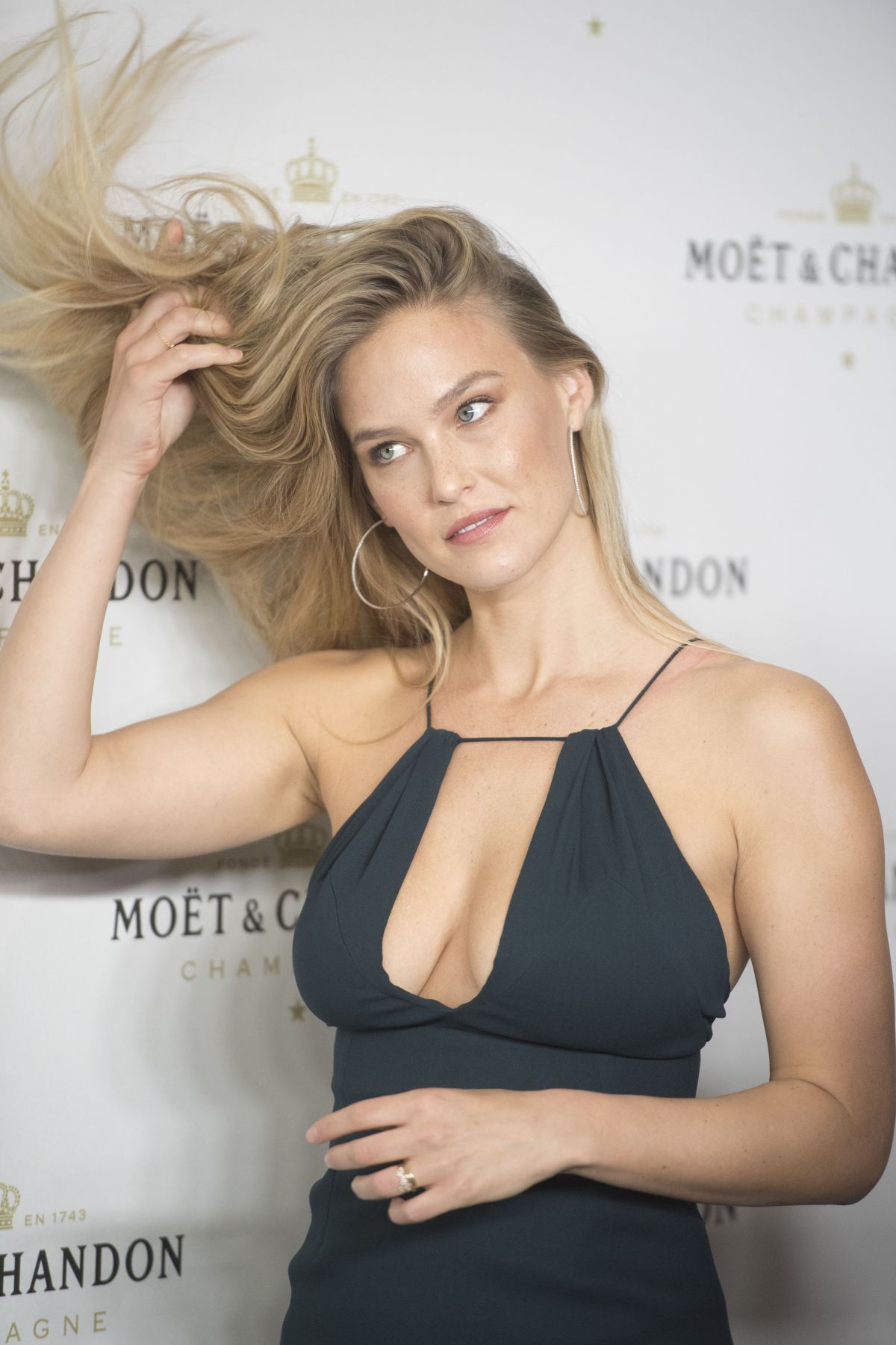 bar refaeli in a - photo #46