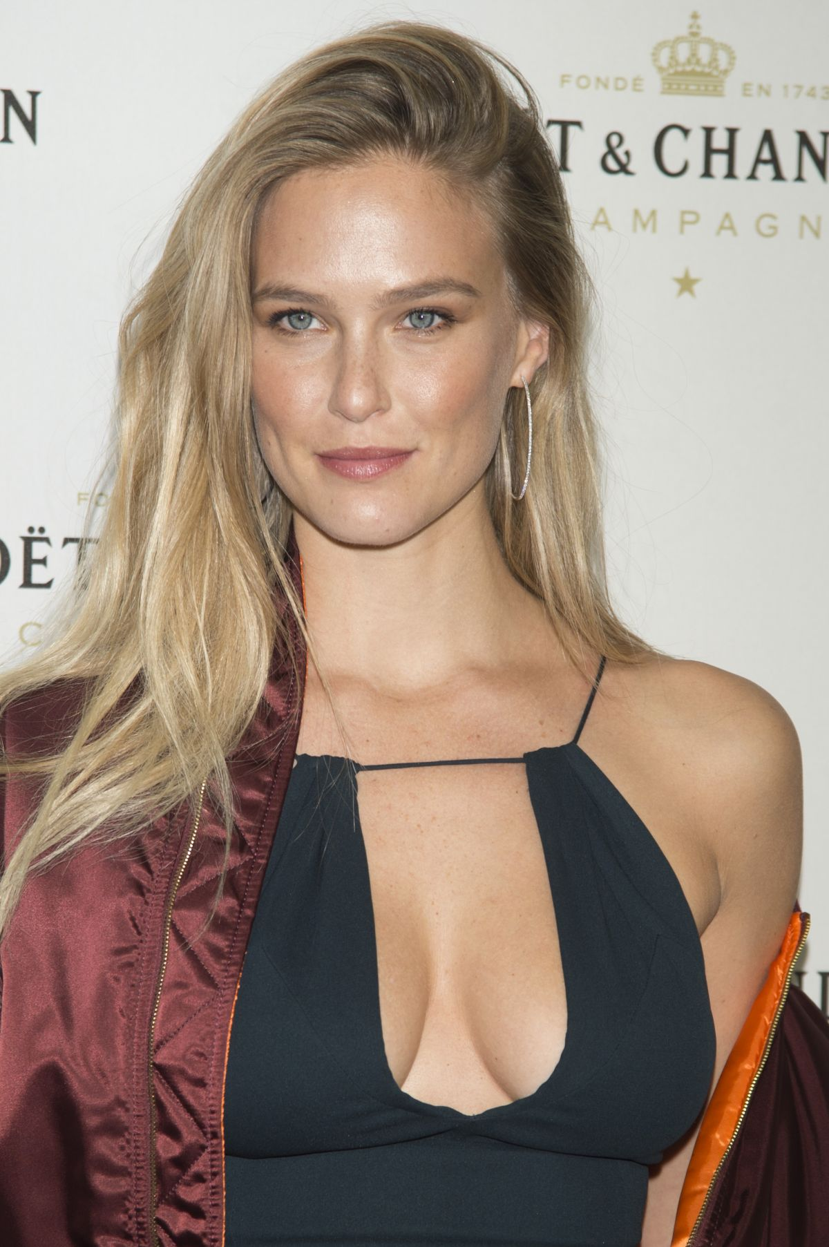 bar refaeli at moet chandon party in madrid 11 29 2016