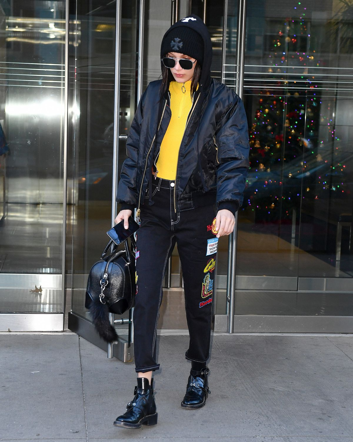 Bella Hadid Leaves Her Apartment In New York 12 16 2016