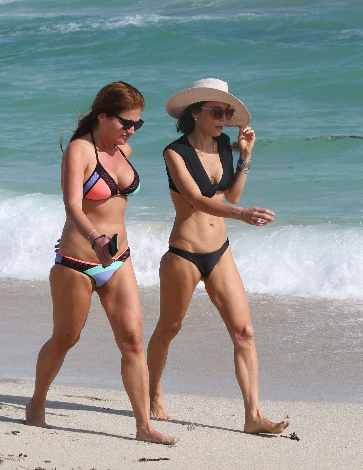 BETHENNY FRANKEL in Bikini on the Beach in Miami 12/05/2016   bethenny-frankel-in-bikini-on-the-beach-in-miami-12-05-2016_11