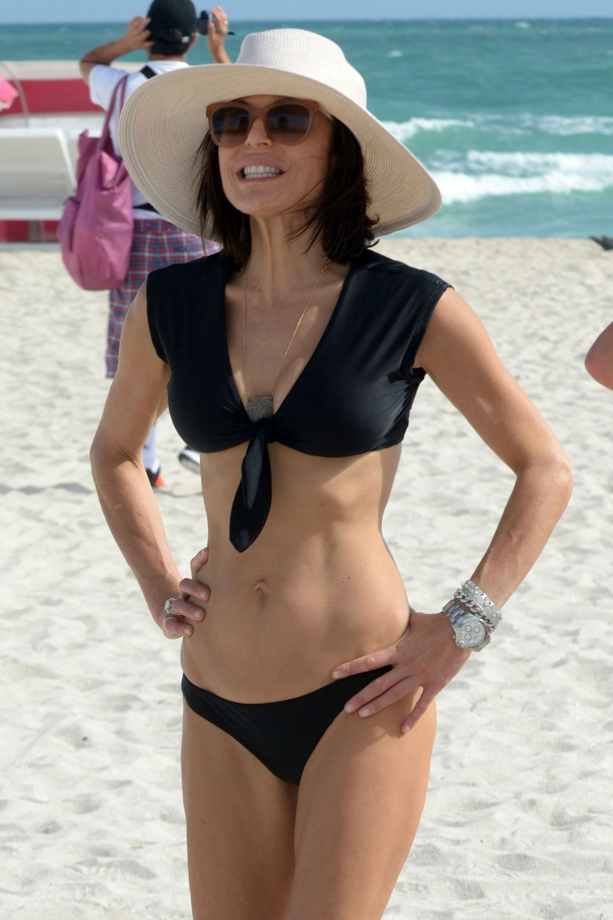 BETHENNY FRANKEL in Bikini on the Beach in Miami 12/05/2016   bethenny-frankel-in-bikini-on-the-beach-in-miami-12-05-2016_21