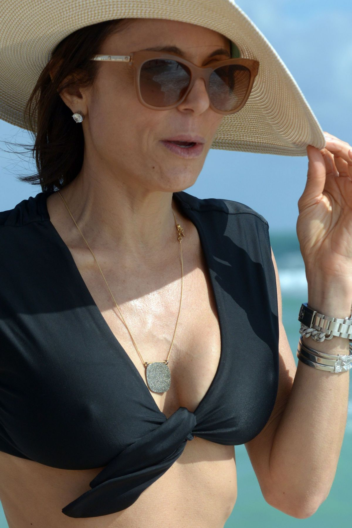 BETHENNY FRANKEL in Bikini on the Beach in Miami 12/05/2016   bethenny-frankel-in-bikini-on-the-beach-in-miami-12-05-2016_48