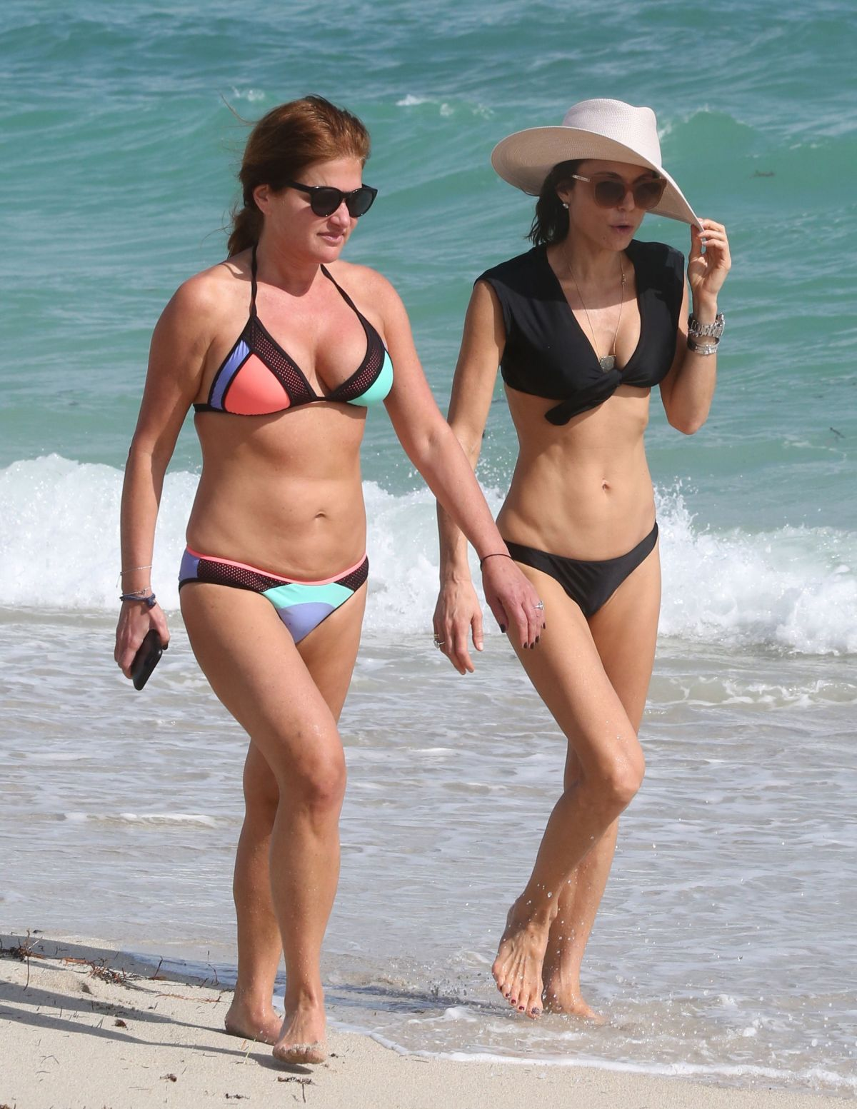 BETHENNY FRANKEL in Bikini on the Beach in Miami 12/05/2016   bethenny-frankel-in-bikini-on-the-beach-in-miami-12-05-2016_7