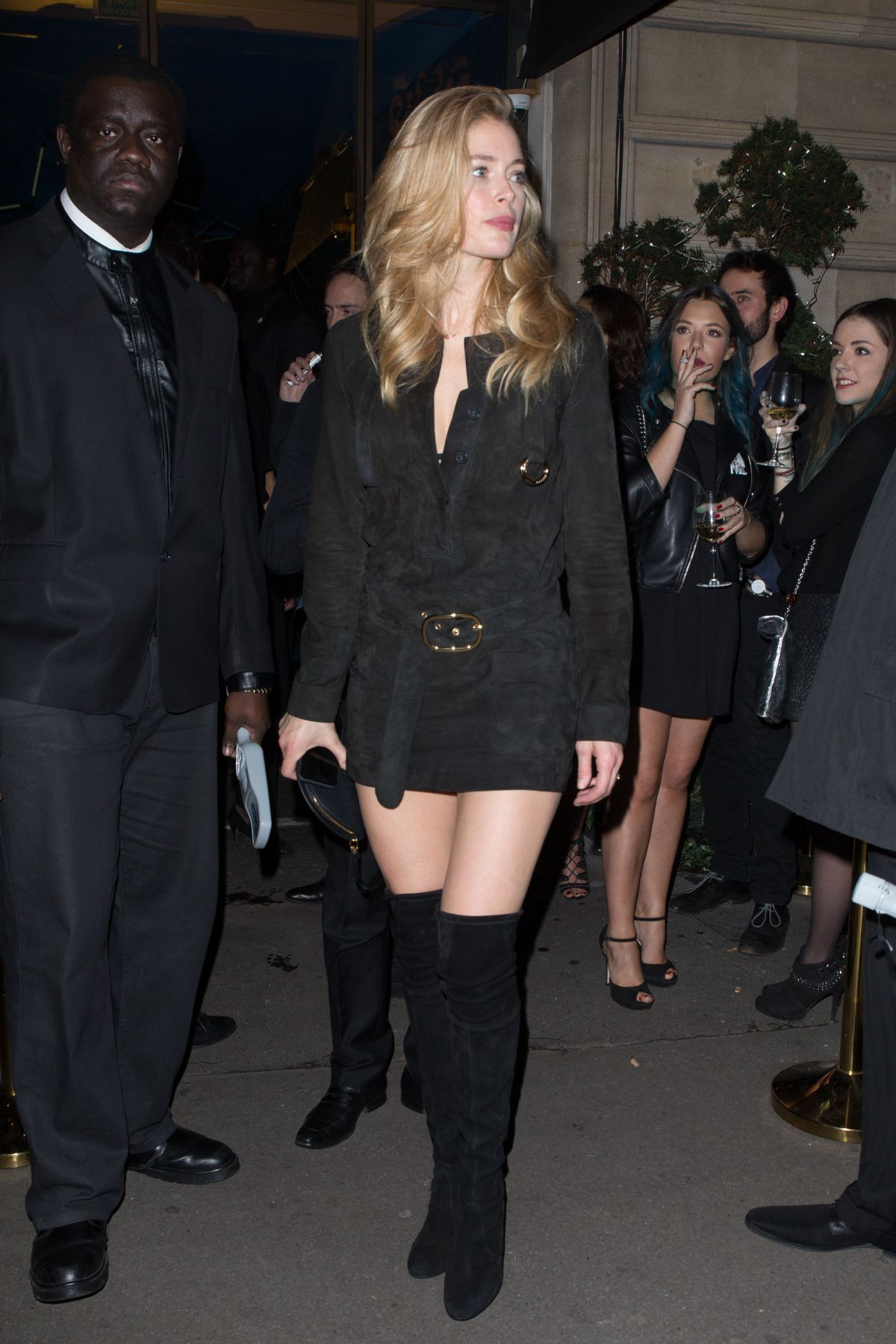 DOUTZEN KROES Night Out in Paris 12/19/2016