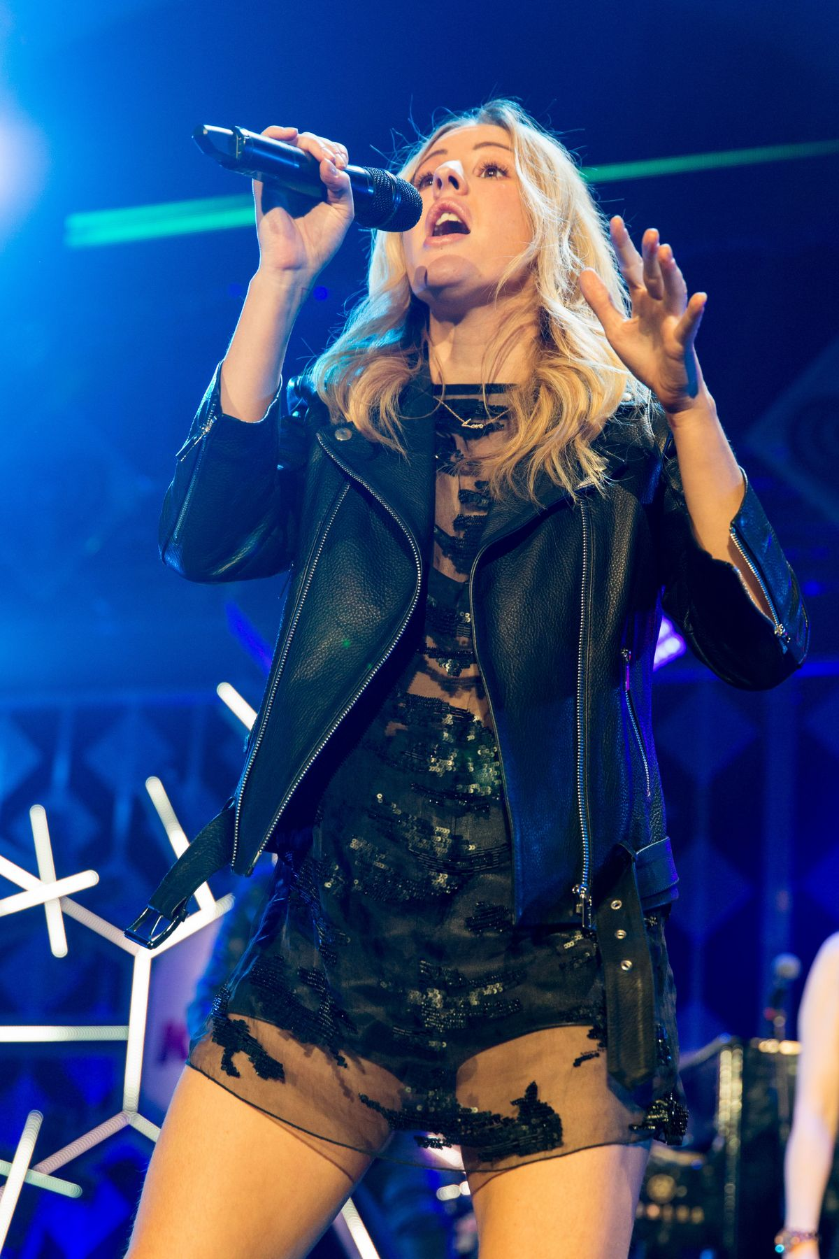 ELLIE GOULDING Performs at Iheartradio Jingle Ball 2016 in Rosemont 12/14/2016