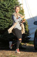 ELSA PATAKY Shopping Christmas Tree in Malibu 12/08/2016
